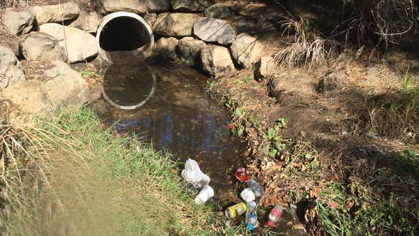 Stormwater drain into the Georges River delivers plastic pollution